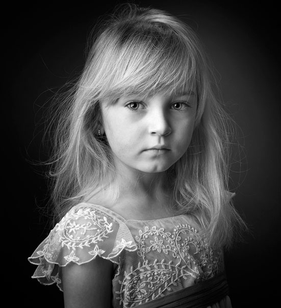 Young girl in a classic black and white portrait by Cormac Byrne Photography, Dooradoyle, Liimerick.